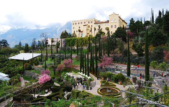Trauttmansdorff castle gardens meran botanic garden for Koi garden rio di pusteria